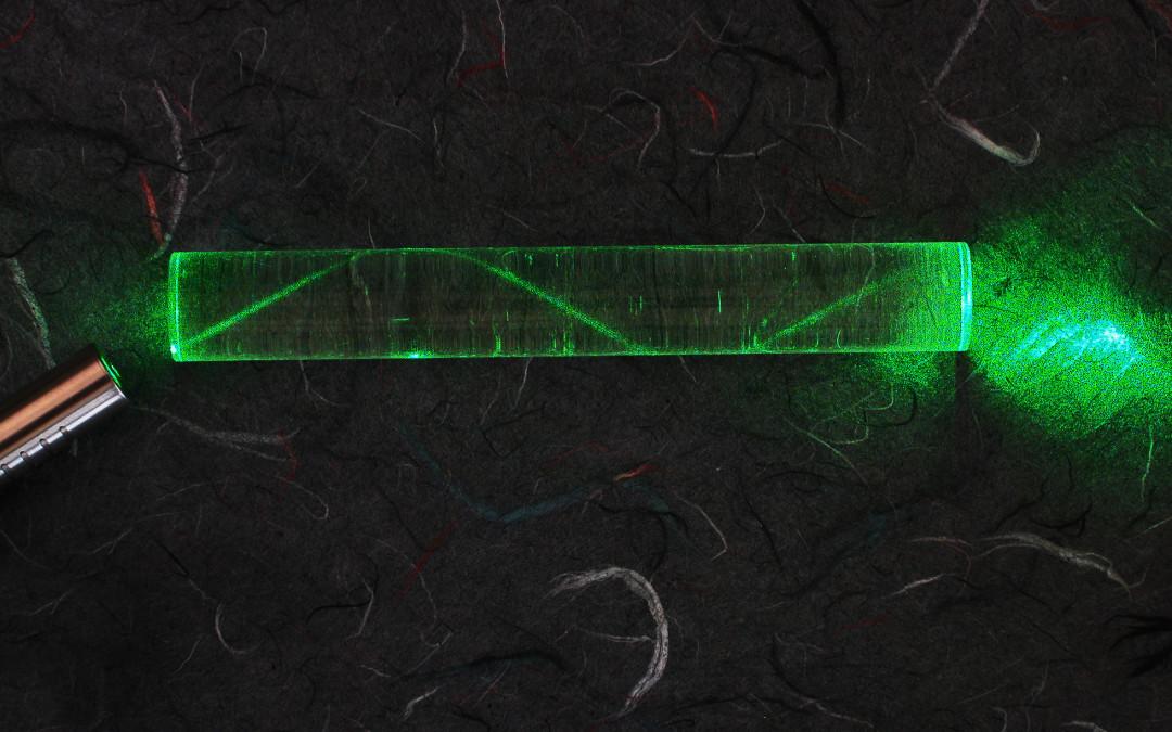 Fotoluminescencja szkieł