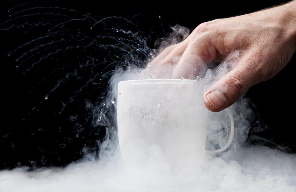 Własności ciał w niskich temperaturach