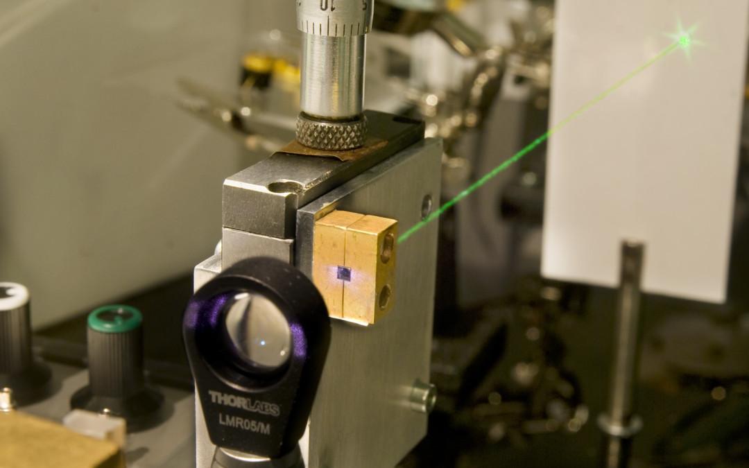 Technologie laserowe w ITME, Demonstrator lasera na ciele stałym